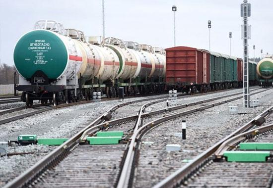 International freight forwarding with rail transport