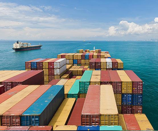 International freight forwarding with containers